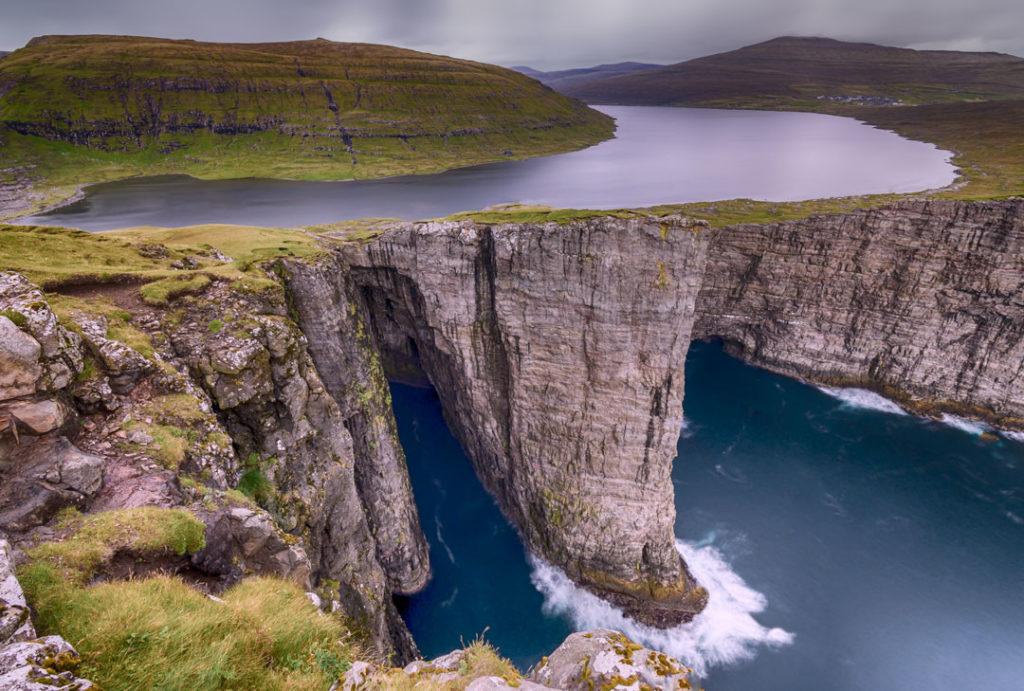 Фарерские острова 6 лучших походов на Фарерских островах best hikes in the faroe islands lake 1 1024x691