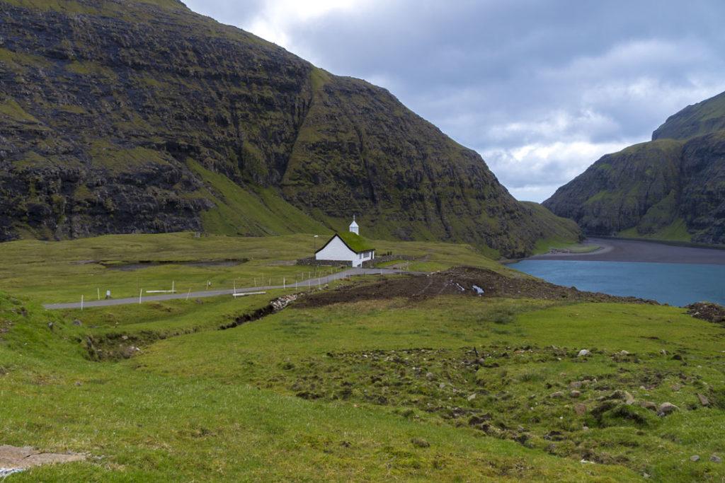 Фарерские острова 6 лучших походов на Фарерских островах best hikes in the faroe islands saksun 1 1024x683