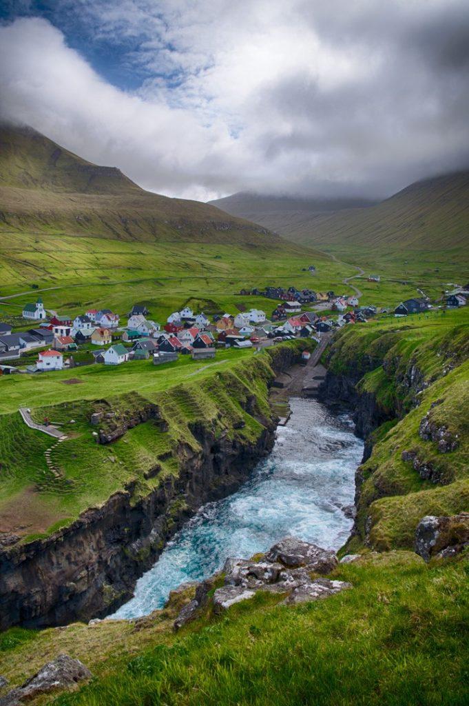Фарерские острова 6 лучших походов на Фарерских островах best hikes in the faroe islands Gjogv village 2 681x1024