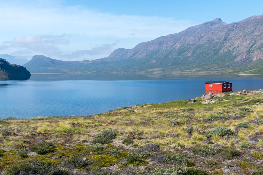 Cabane d'Innajuattoq sur le chemin du cercle arctique