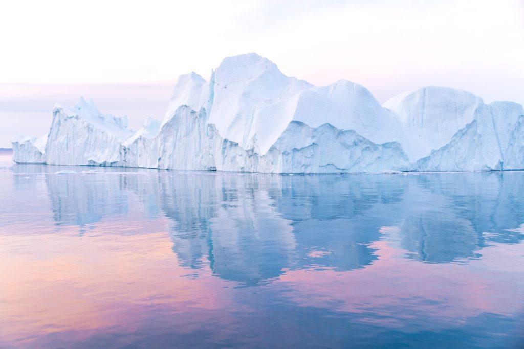 полуночное солнце в арктике 20 интересных фактов о Арктике 20 интересных фактов о Арктике midnight sun iceberg sightseeing ilulissat 26 1024x683