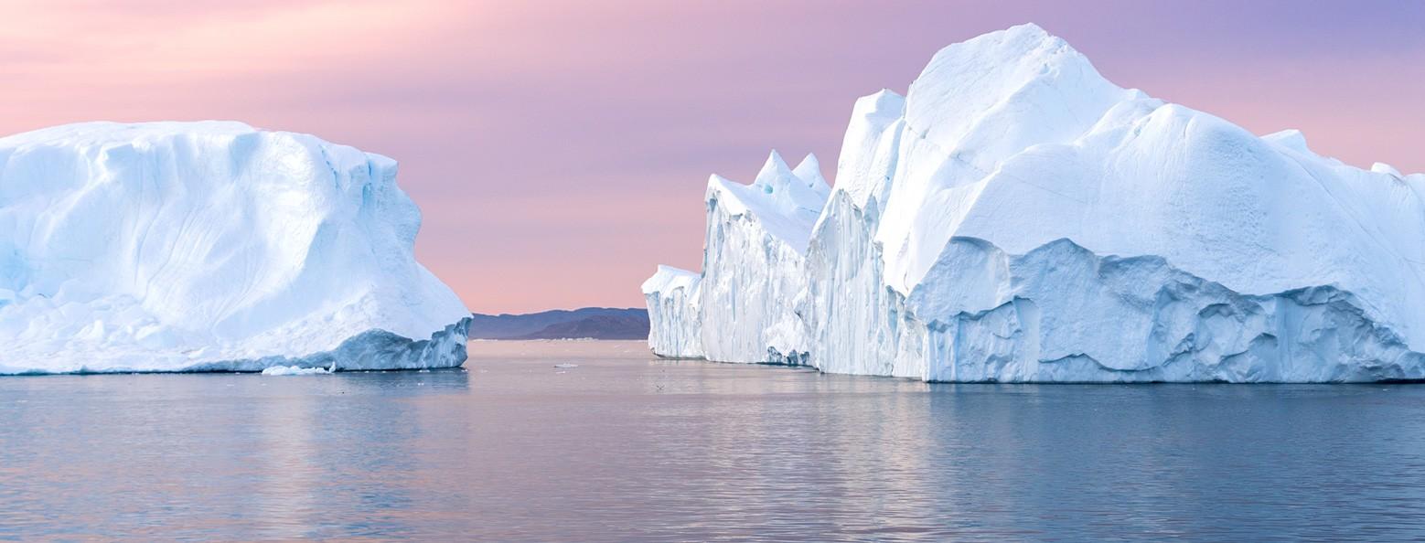 Under the midnight sun: iceberg sightseeing in Ilulissat