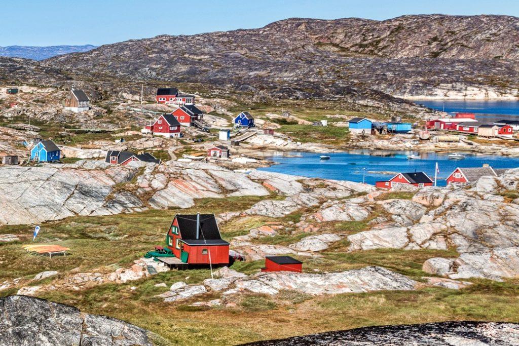8 лучших занятий в Илулиссате, Гренландия 8 лучших занятий в Илулиссате, Гренландия things to do in ilulissat Oqaatsut village 1024x683