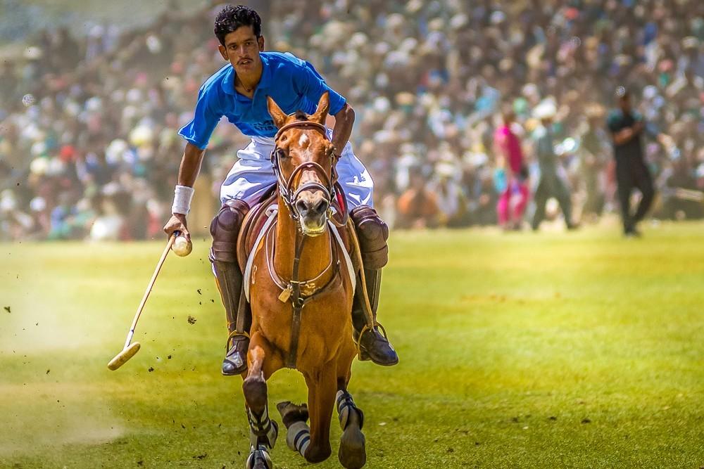 Un joueur de polo au Shandur Polo Festival