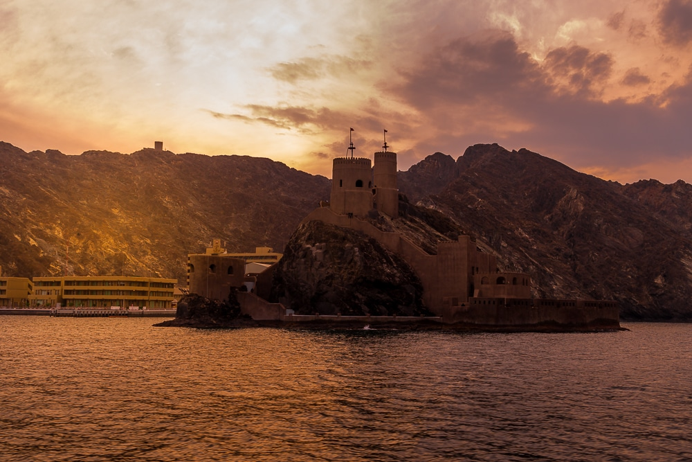 sunset cruise in one of the best things to do in Muscat