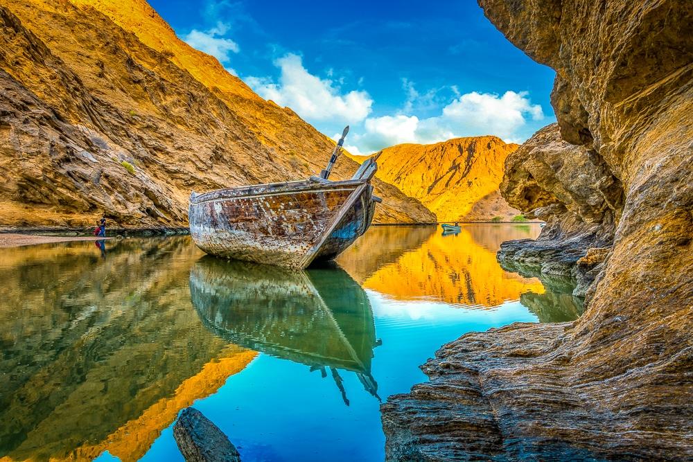 рыбацкие лодки в Бандар Аль Хайран Лучшие развлечения в Маскате Лучшие развлечения в Маскате: 9 достопримечательностей, которые нужно посетить things to do in muscat Bandar Al Khairan