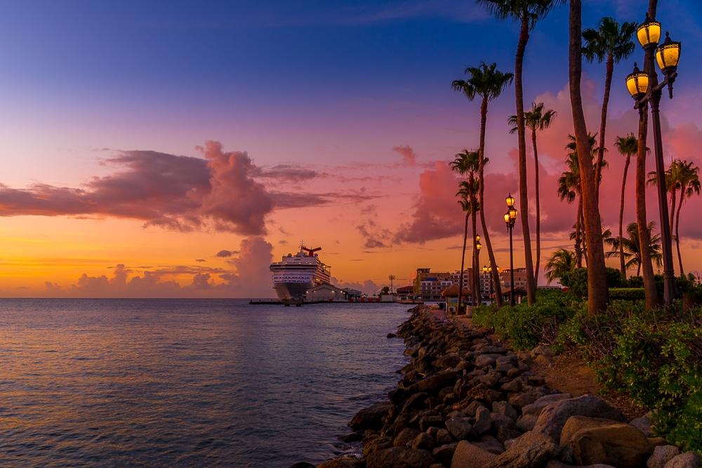 Чем заняться в Бонайре Чем заняться в Бонайре Aruba ship sunset