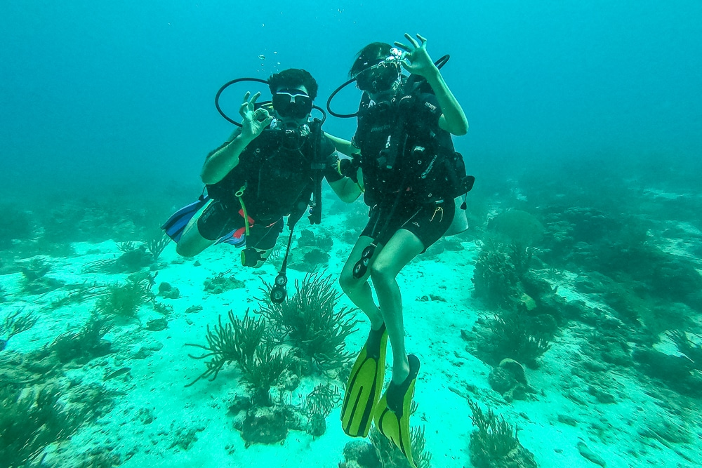 Peter & Kia while diving the Sonesta plane wrecks in Aruba