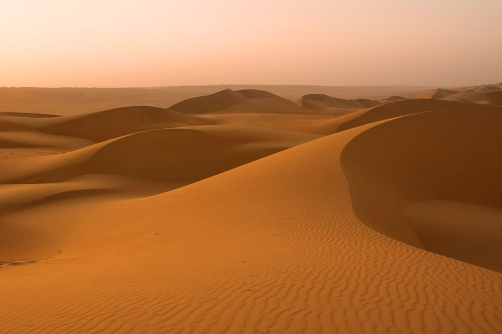 Les magnifiques sables de Wahiba: l'une des meilleures choses à faire à Oman