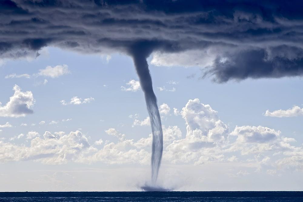 13 потрясающих природных явлений 13 потрясающих природных явлений stunning natural phenomena waterspouts