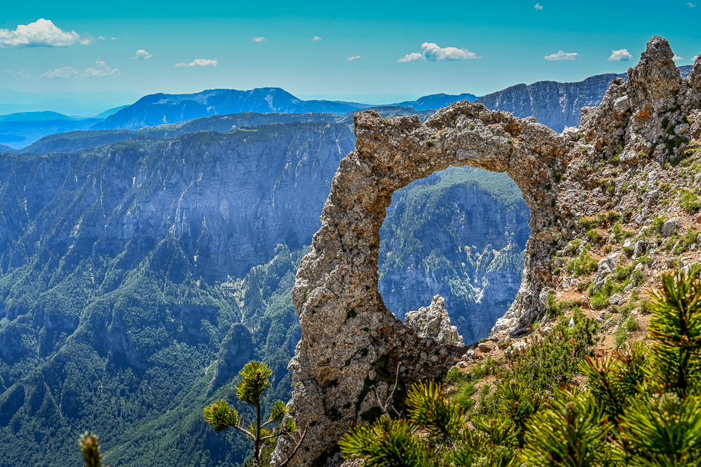 The ring-shaped rock formation of Hajdučka Vrata (Outlaw's Gate) on Čvrsnica